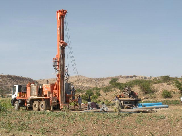 Watertec 24   Water Well Drilling Rig   Dando Drilling