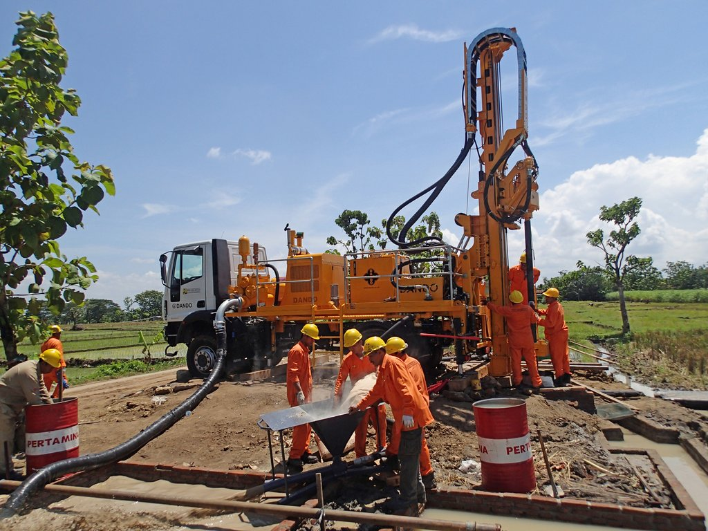 Watertec 9000 water well drilling rig dando drilling international water supply irrigation in indonesia sciox Choice Image