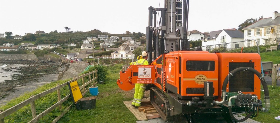 A Dando Multitec 4000 Mk3 rig performing site investigation in Coverack, Cornwall